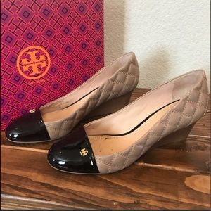 Tory Burch Claremont Quilted wedge Beige 9